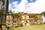 Bordered by the Conrad hotel, the state library and the Old treasury buildings, this park is surrounded by history and is beautiful too.